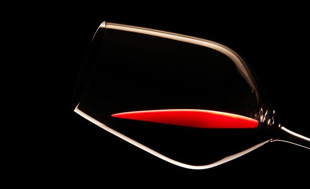 Verre de vin rouge Côtes-du-Rhône